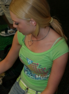 Petite Blonde Skye Model Is Out Having Fun In A Tight Top And Jeans - Picture 3