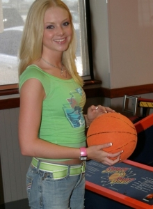 Petite Blonde Skye Model Is Out Having Fun In A Tight Top And Jeans - Picture 4