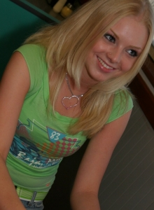 Petite Blonde Skye Model Is Out Having Fun In A Tight Top And Jeans - Picture 6