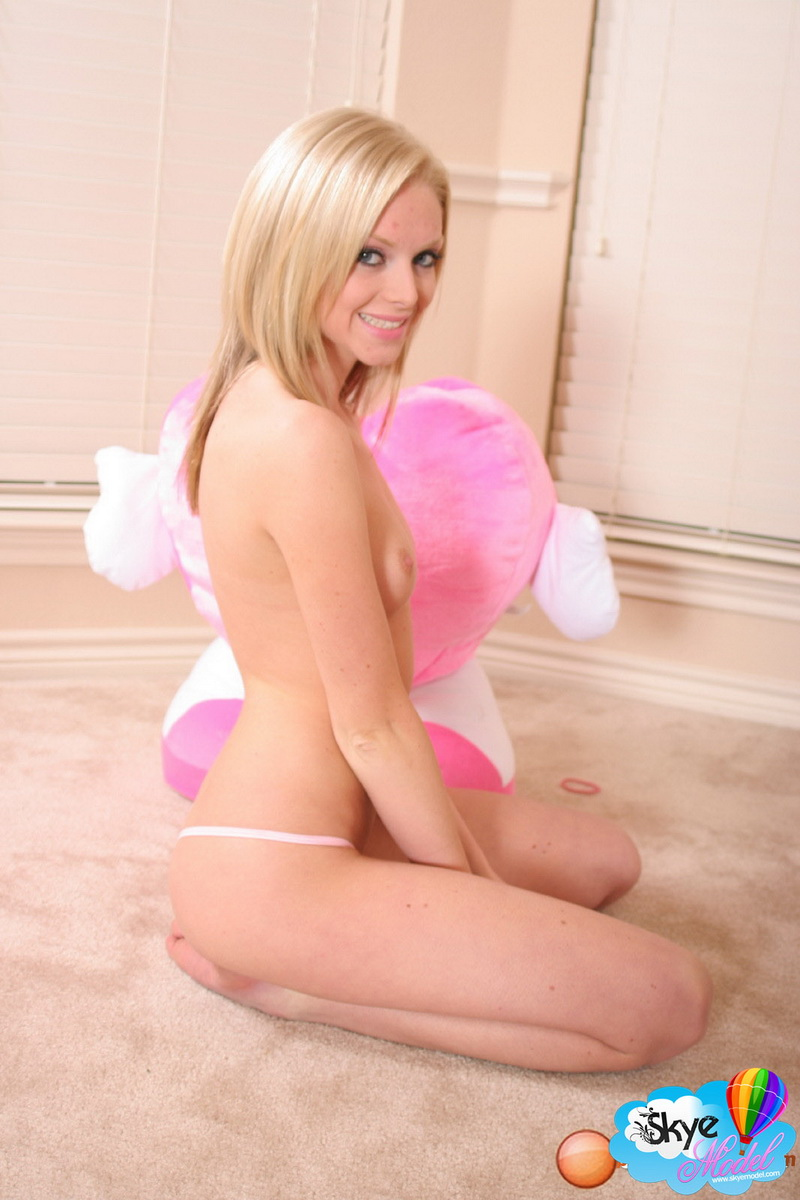 image Hot blonde petite teen solo first time